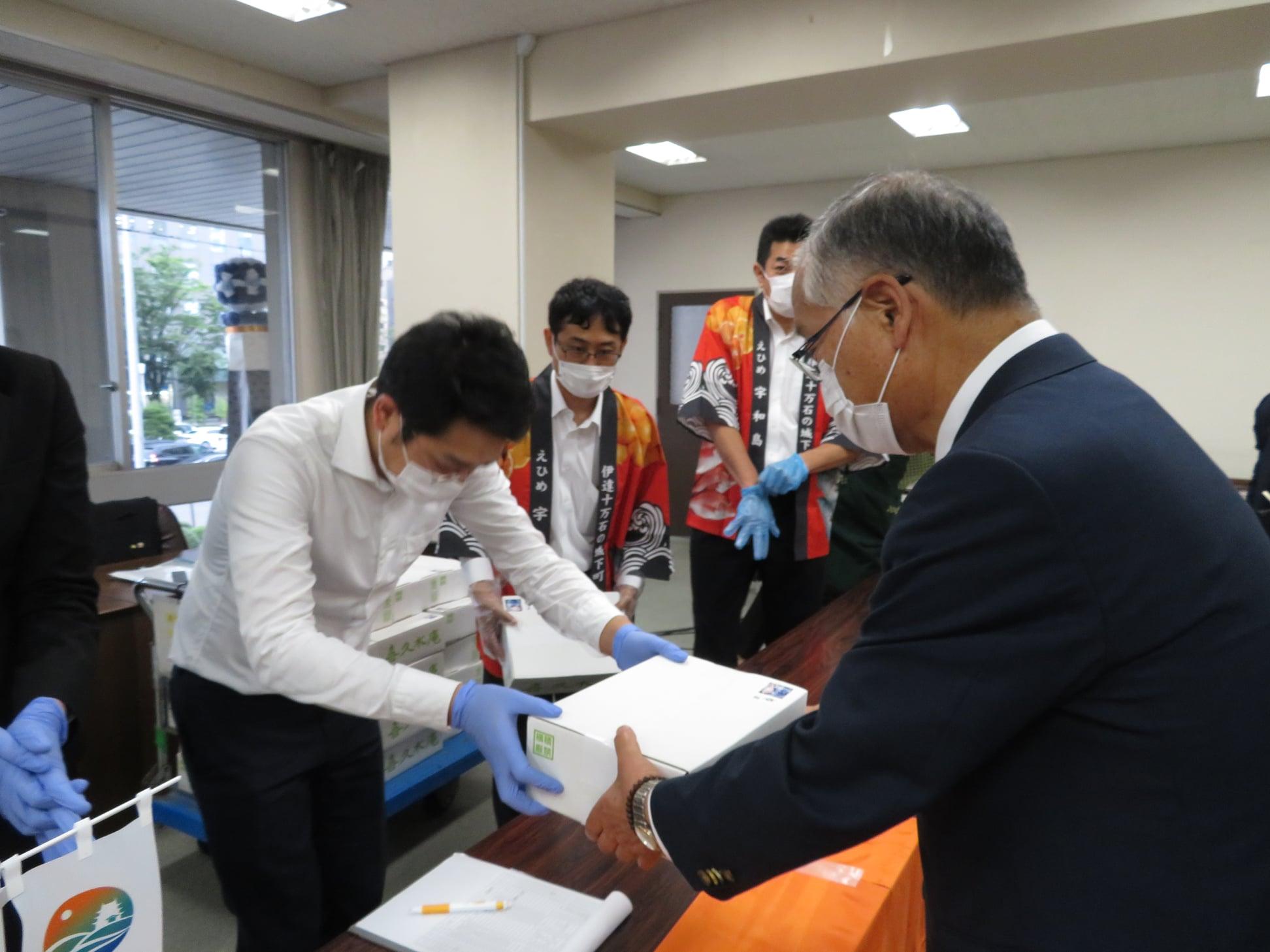 姉妹都市宇和島市から市長を先頭にしたキャンペーン隊が来仙