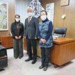 宮城県武術太極拳連盟の岡野範子理事長と仙台市連盟の佐藤かおる事務局長