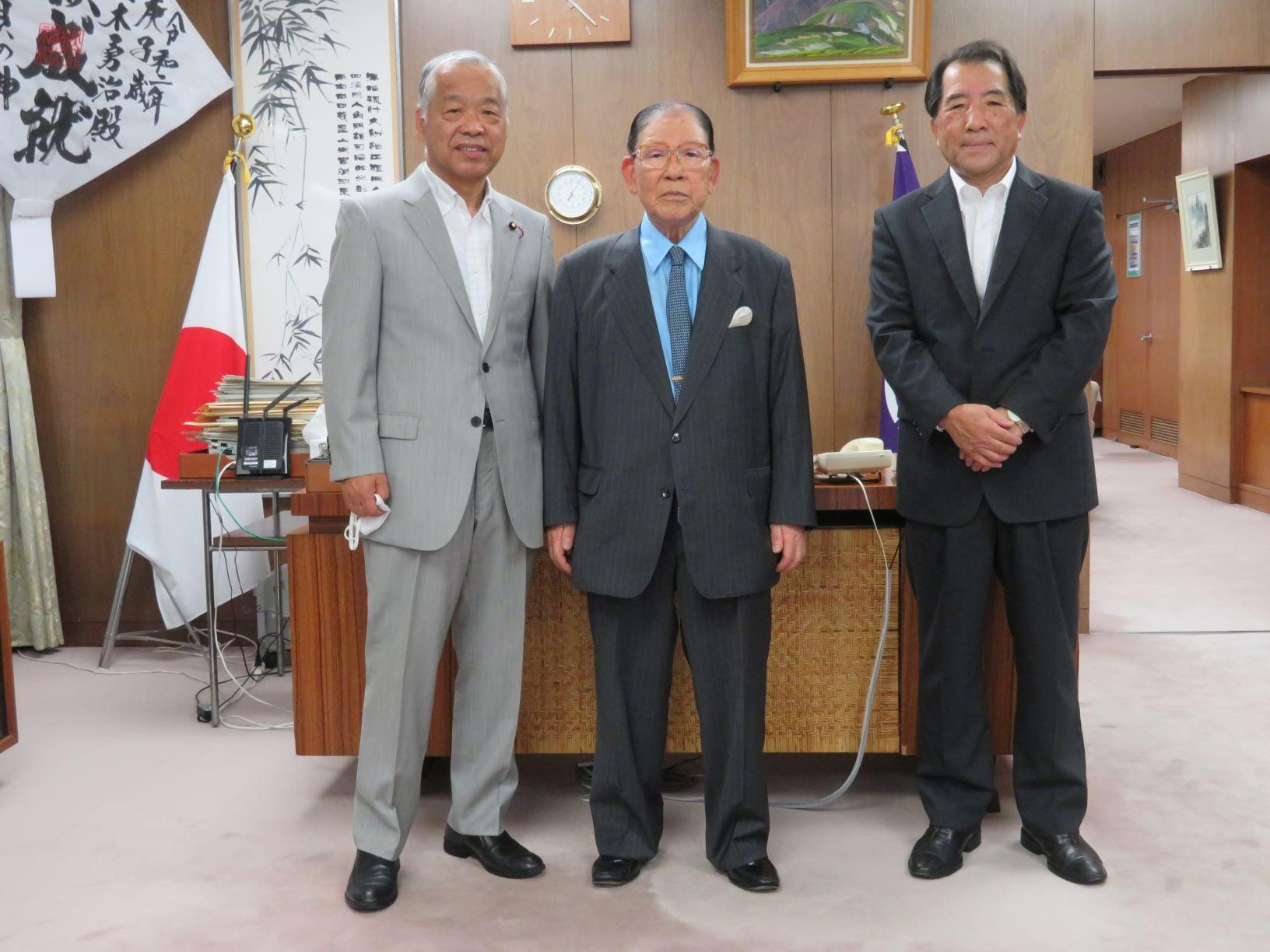 令和3年7月12日 公益財団法人アタラクシア(みやぎ霊園)の神谷理事長が表敬のため来訪されました